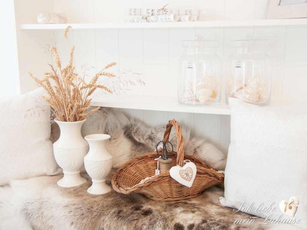 rentierfell ich liebe mein zuhause landhausstil zum. Black Bedroom Furniture Sets. Home Design Ideas