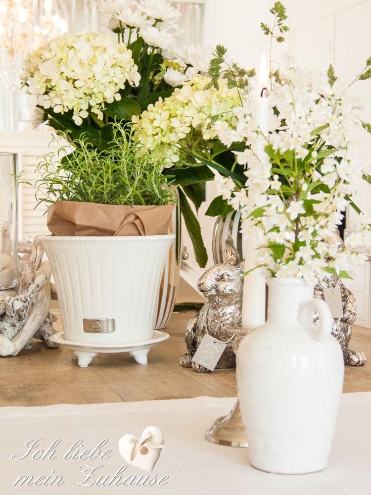 wie dekoriere ich den tisch mit vasen und kerzen teil 1. Black Bedroom Furniture Sets. Home Design Ideas