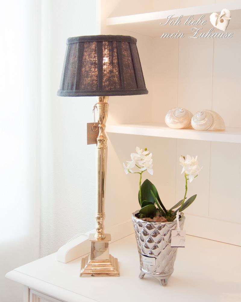wie dekoriere ich edel ich liebe mein zuhause landhausstil zum wohlf hlen und geniessen. Black Bedroom Furniture Sets. Home Design Ideas