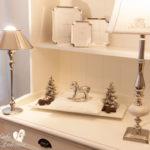 Tablett mit Weihnachts-Dekoration in weiss-silber & Geschenk-Idee