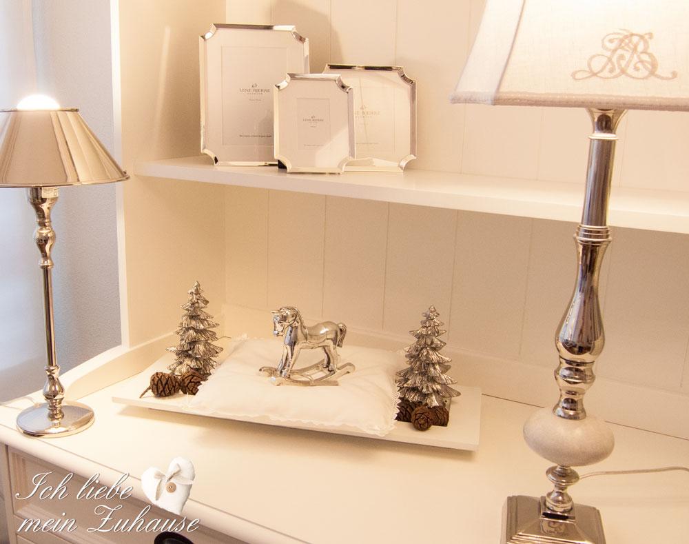 blog-tablett-mit-weihnachts-dekoration-und-geschenkidee